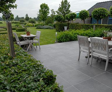 Bestrating en paden in de tuin ramon brand hovenier - Terras tuin decoratie ...